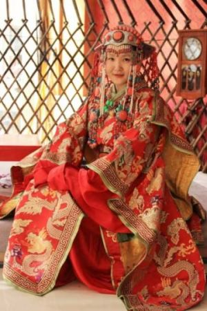 Inspiring photos - Asiam style - Inner Mongolia - traditional dress.jpg